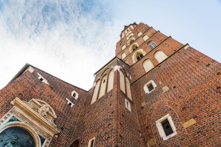 St. Marys Basilica Kraków | f/8 1/160sec ISO-100 24mm  | ILCE-7RM3 | 2019-06-21 07:34:36