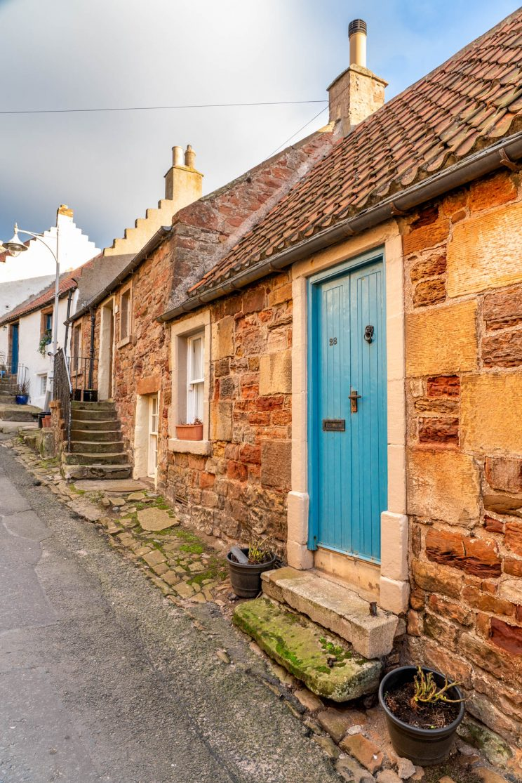 Street in Crail | f/8 1/30sec ISO-160 24mm