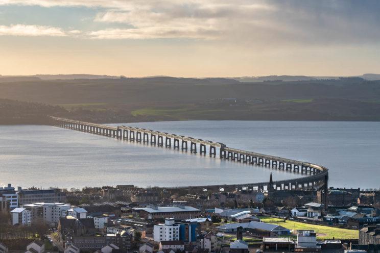 Tay Rail Bridge | f/8 1/250sec ISO-100 105mm