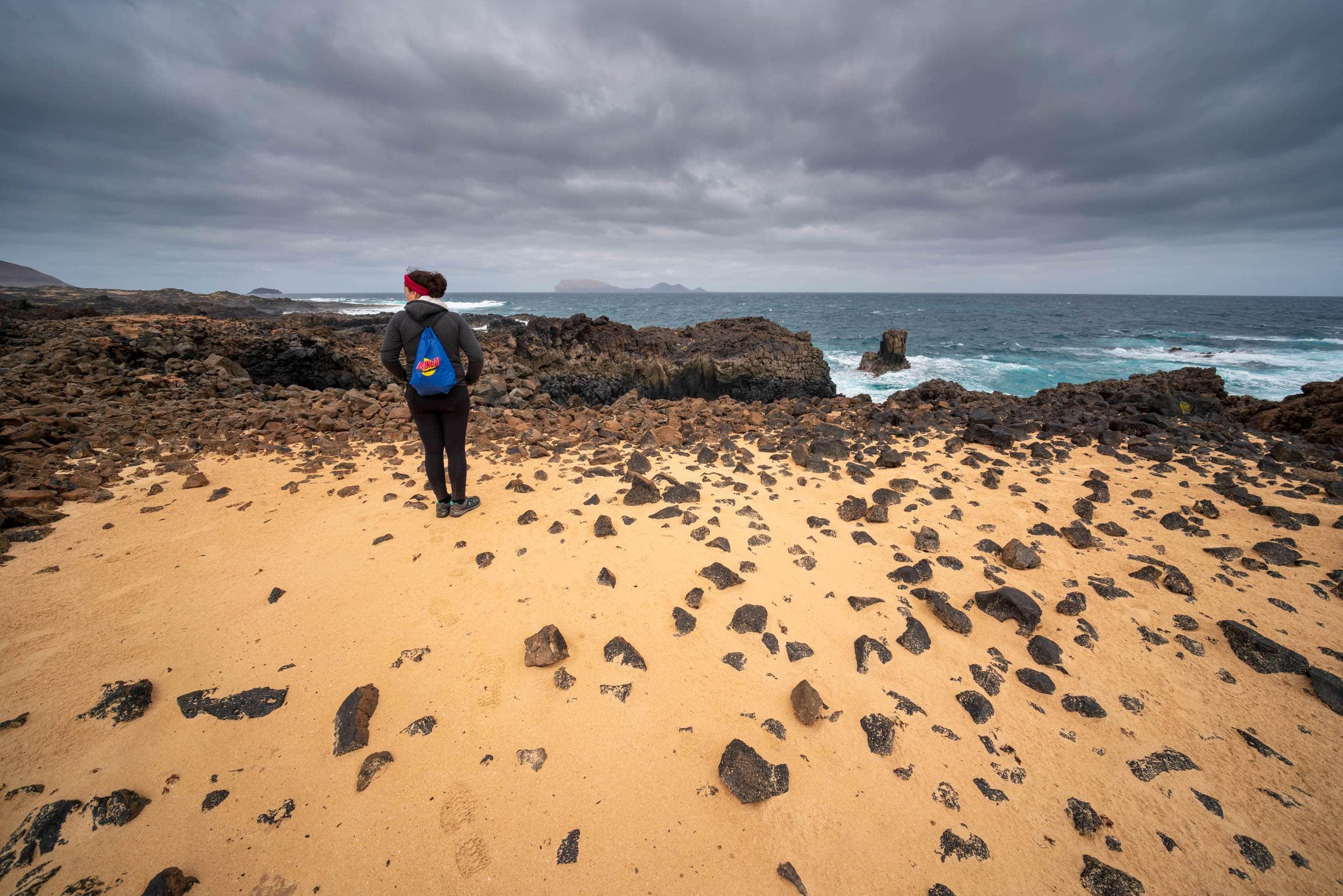 Beach in La Graciosa | f/8 1/320sec ISO-100 12mm