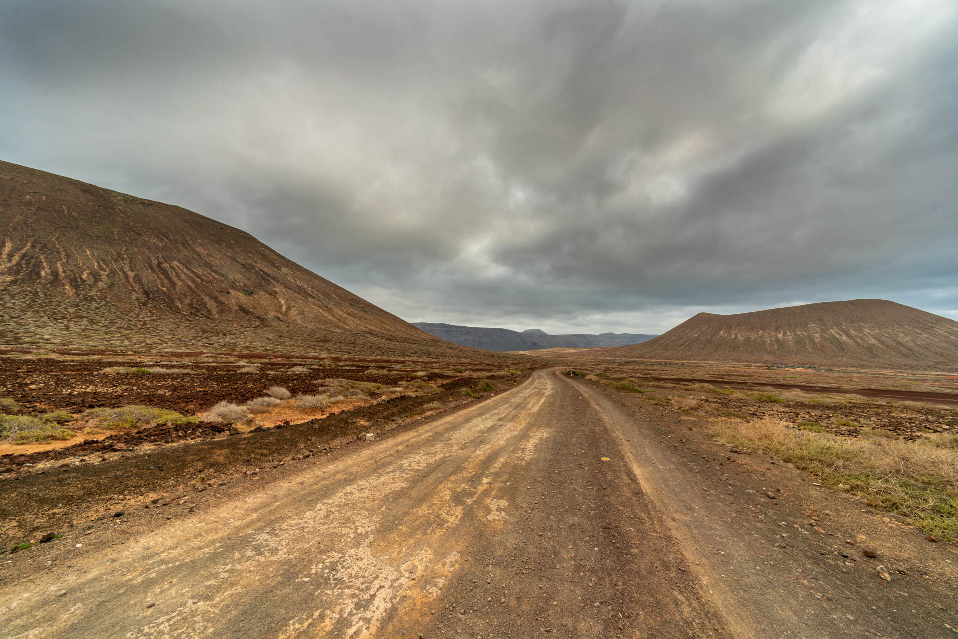 Road in La Graciosa | f/8 1/160sec ISO-100 12mm