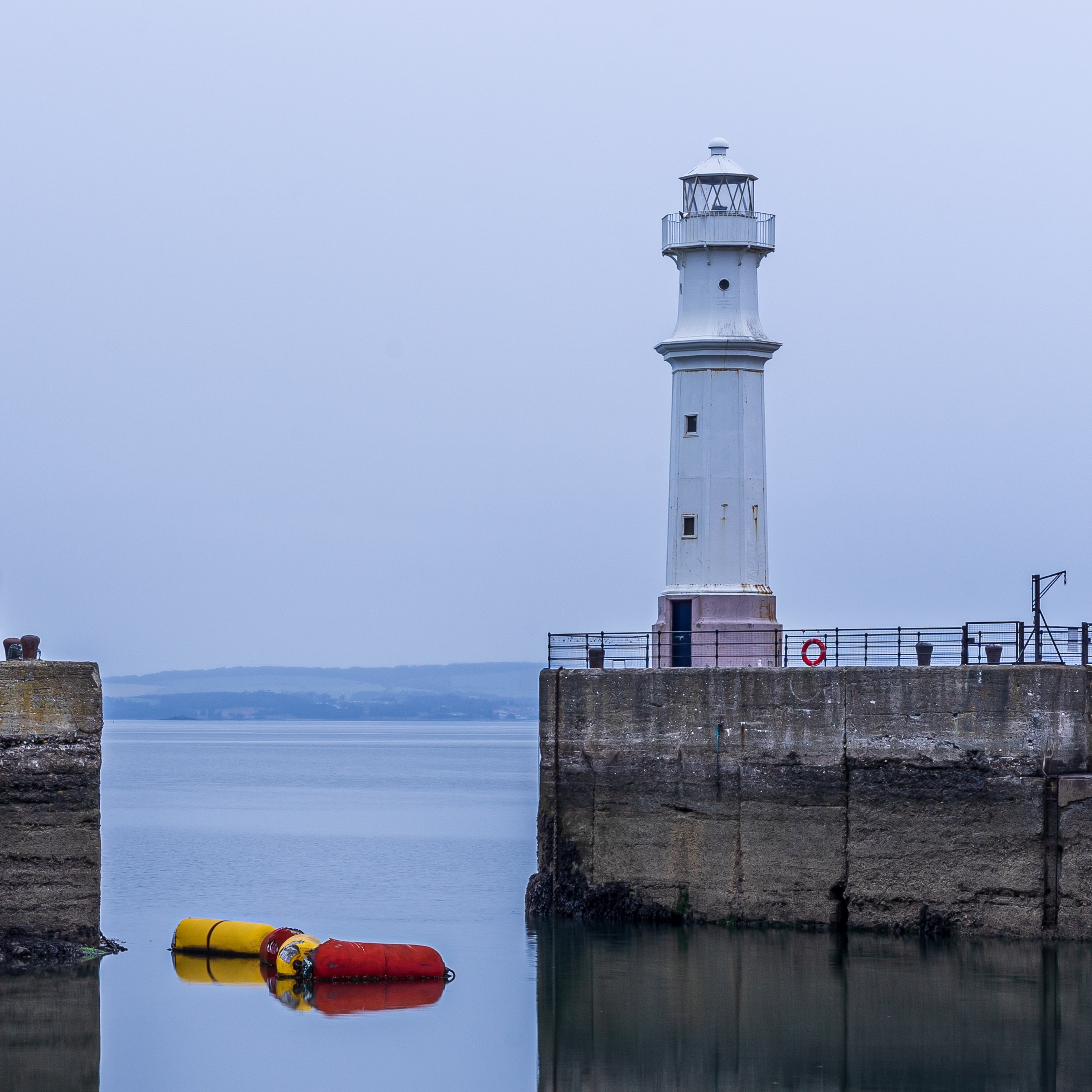 Newhaven Lighthouse| f/13 1.3sec ISO-100 55mm  | ILCE-7M2