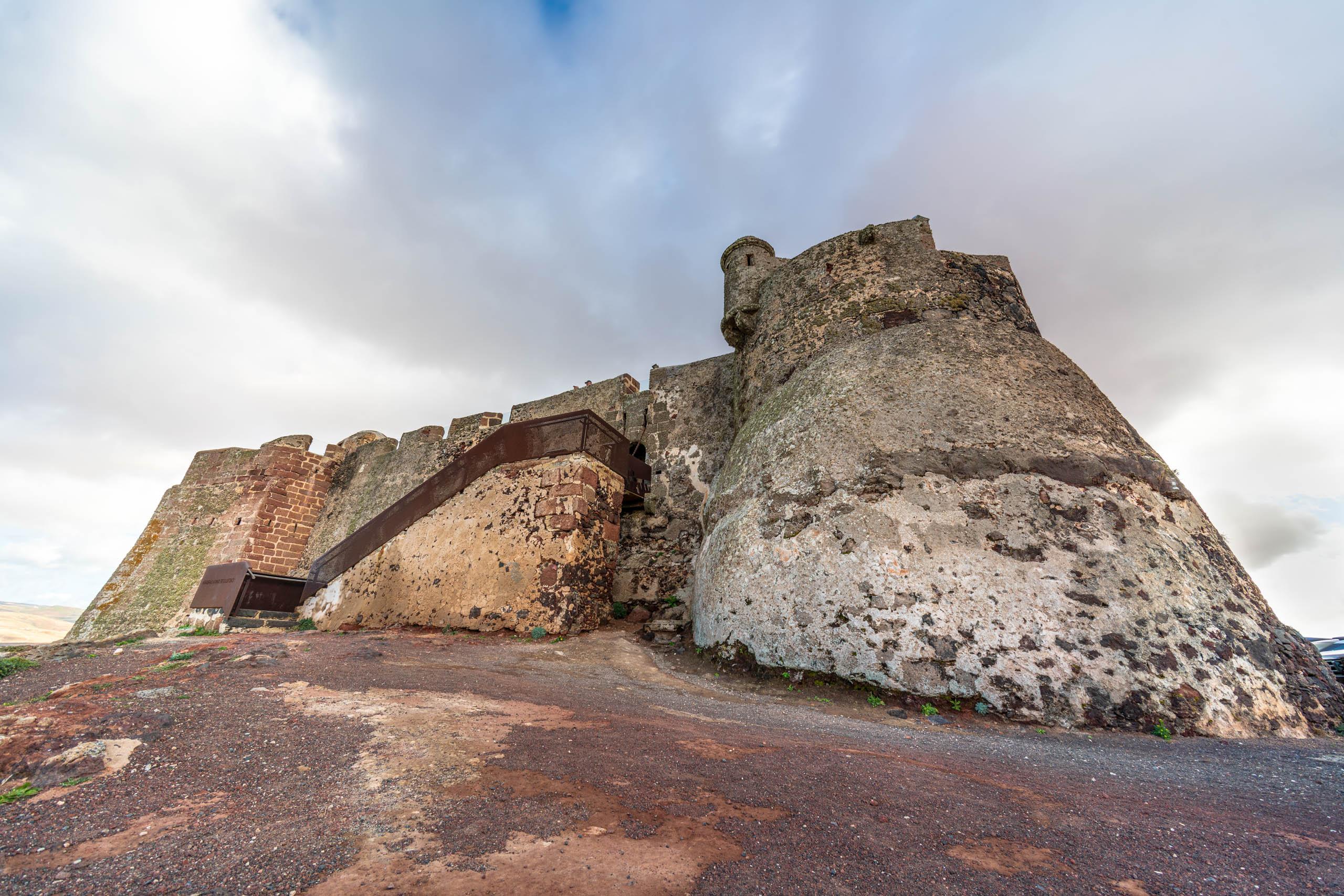 Castillo de Santa Barbara | f/8 1/250sec ISO-100 12mm  | ILCE-7RM3 | 2019-01-27 12:20:35