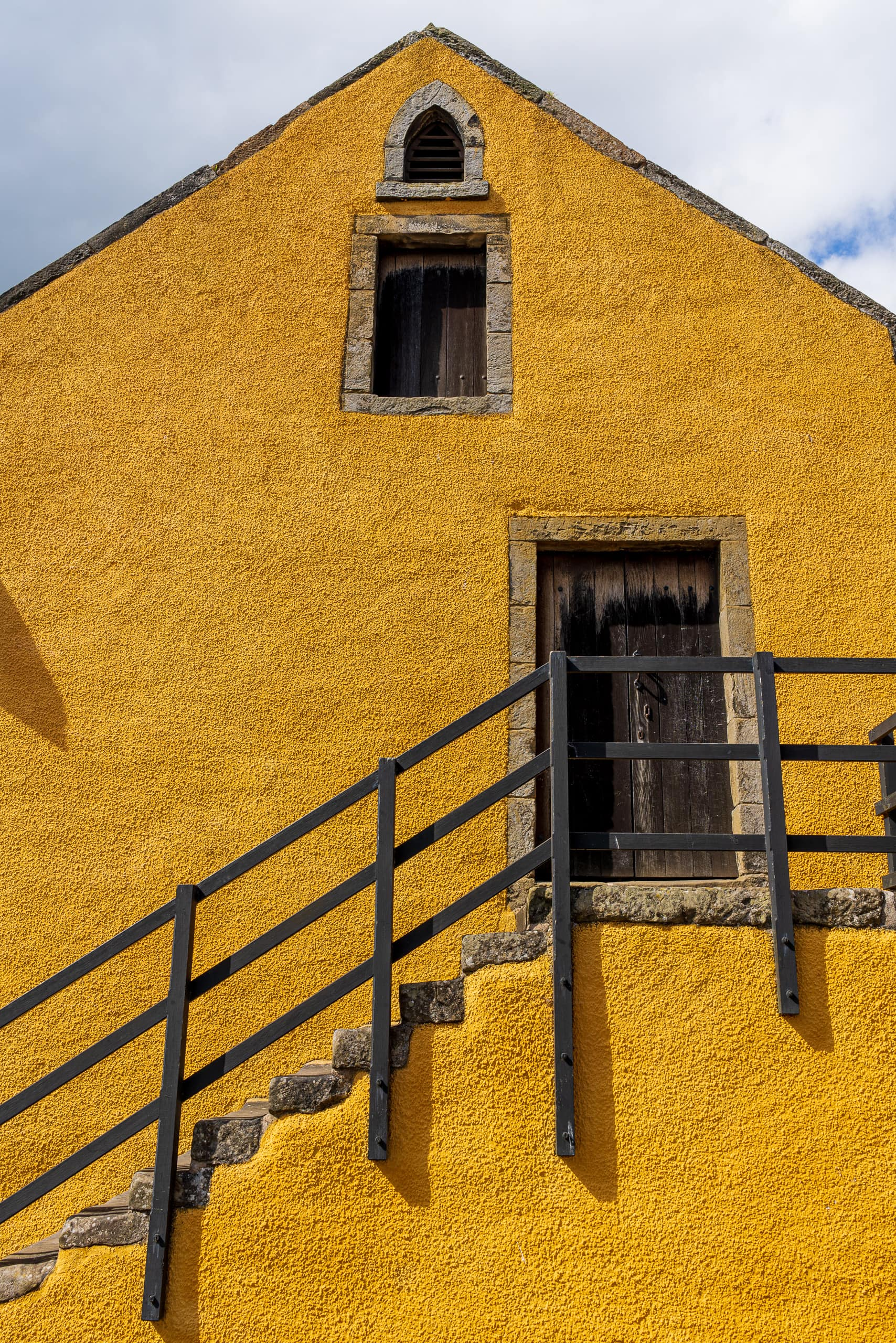 House in Culross | f/8 1/250sec ISO-100 28mm  | ILCE-7RM3 | 2019-06-30 15:13:36
