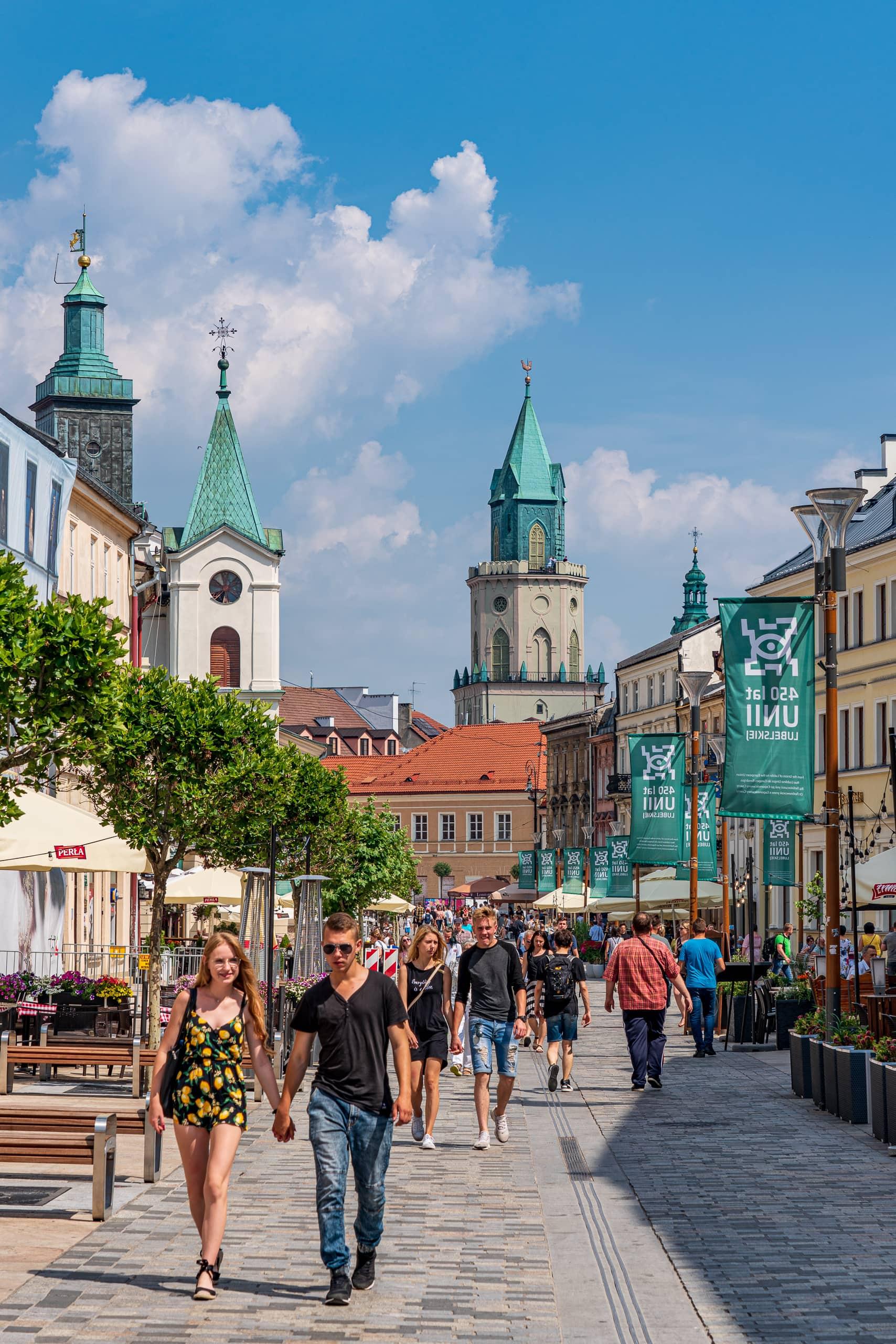 Krakowskie Przedmiescie | f/9 1/320sec ISO-100 80mm  | ILCE-7RM3 | 2019-06-26 12:33:30