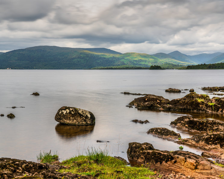 Rocky beach in Inchcailloch Island at Loch Lomond | f/8 6sec ISO-50 34mm  | ILCE-7RM3