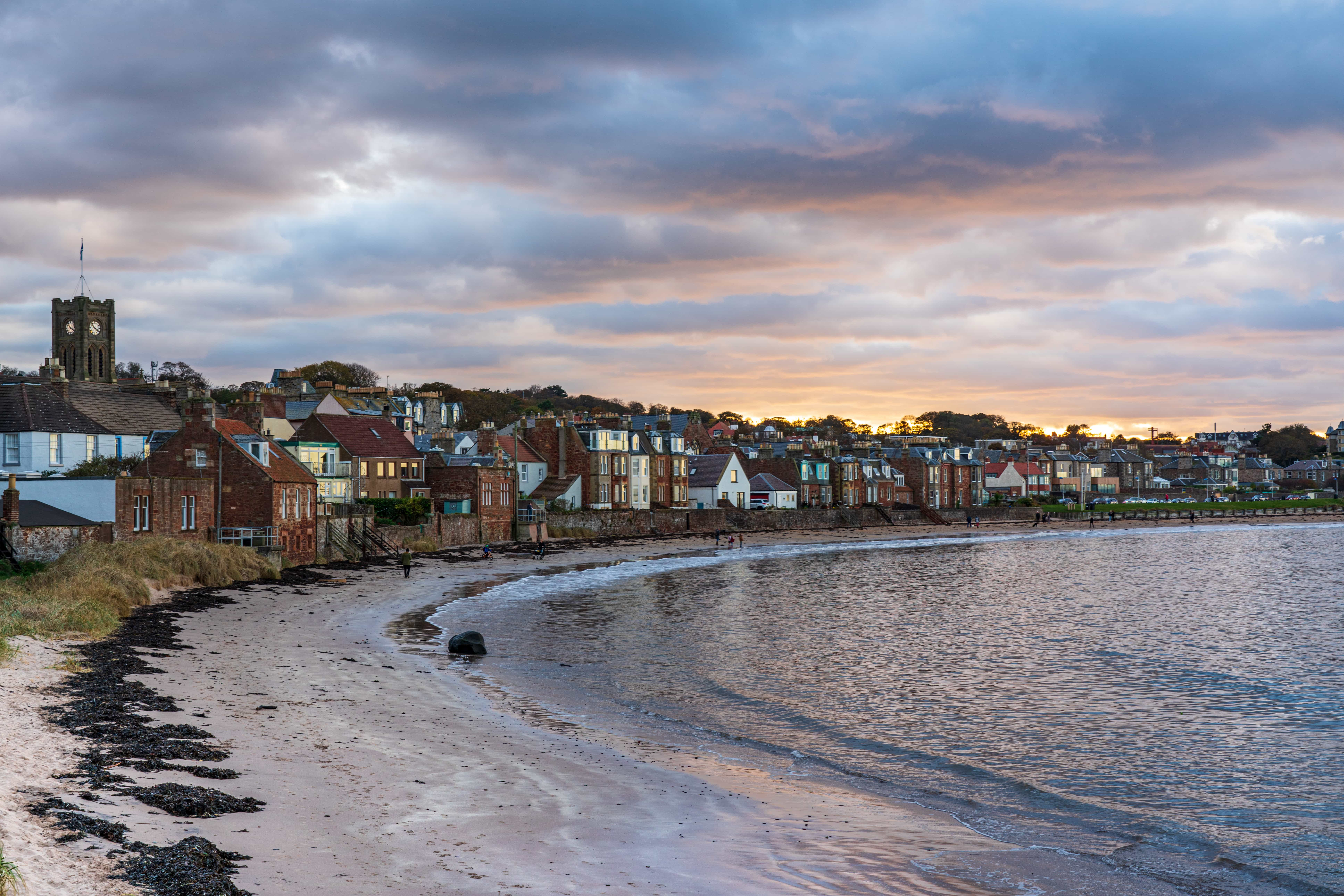 Evening at the beach in North Berwick | f/8 1/50sec ISO-200 49mm  | ILCE-7RM3