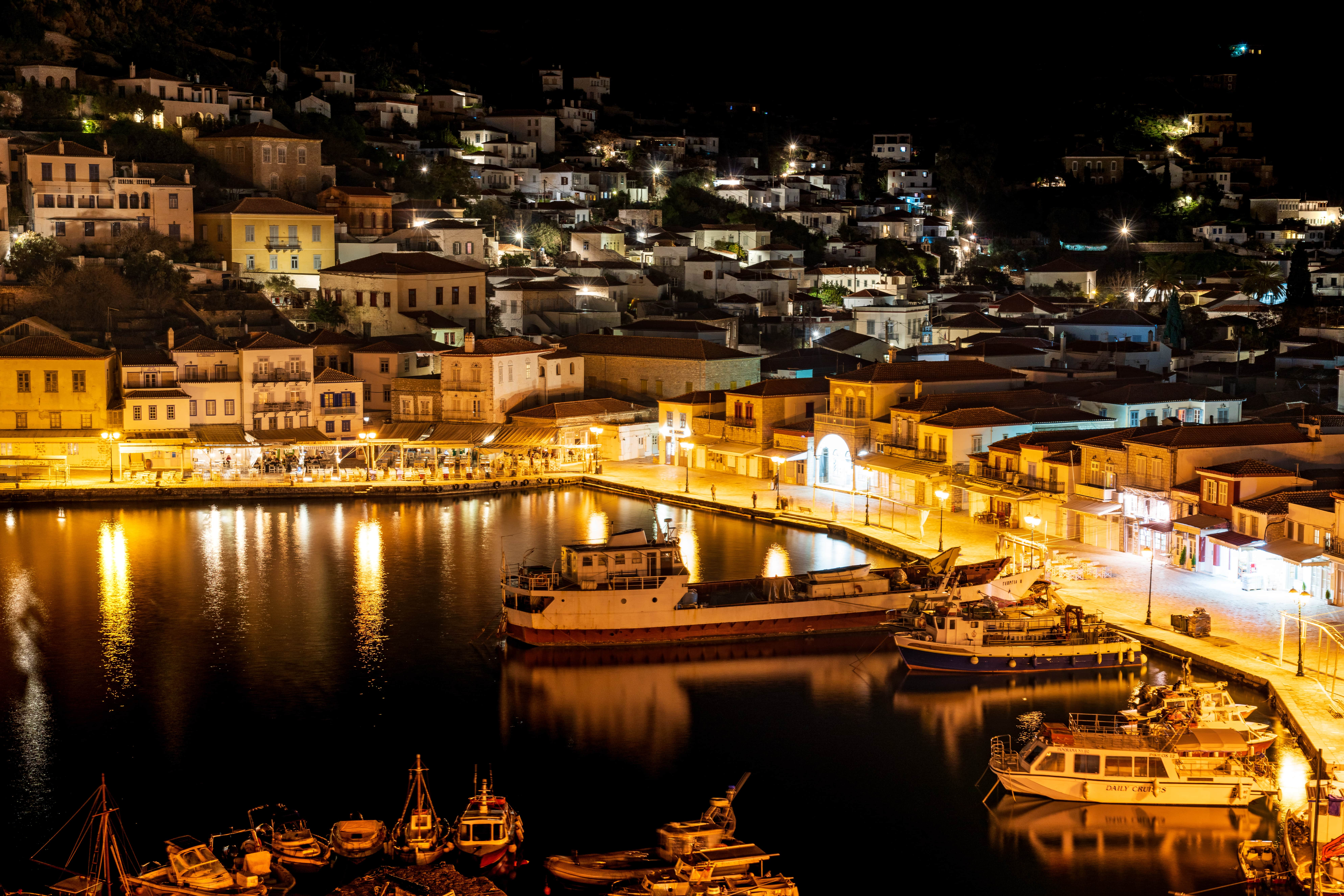 Greece - Hydra harbour at night| f/8 20sec ISO-100 54mm  | ILCE-7RM3